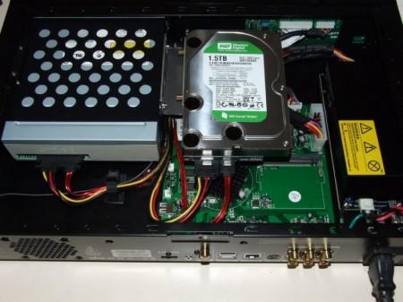 Popcorn Hour C-200. Instalado HDD de 3,5'' y BD-ROM