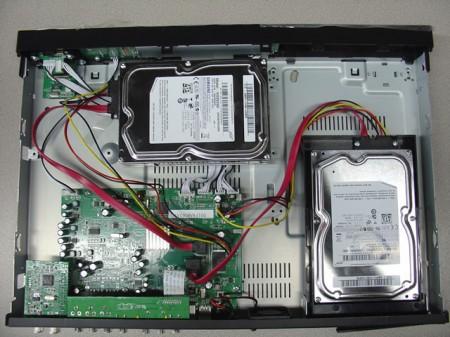 MR5000 con dos discos duros instalados. 4 Treas