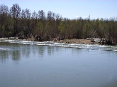 Azud sobre el río Esla