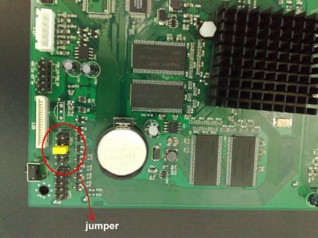 Colocación del jumper para recuperar el firmware de la placa B110
