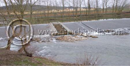 Escala de artesas sobre el azud de derivación del Canal de Castilla sobre el río Pisuerga en Alar del Rey (provincia de Palencia). Foto 3.